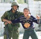 Tortures israéliennes sur les enfants palestiniens dans Humour arton7669-e563c