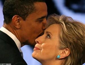 Syrie : Clinton reconnaît que les Etats-Unis et Al Qaïda sont dans le même camp dans Bêtise humaine barack_obama_and_hillary_clinton-300x230