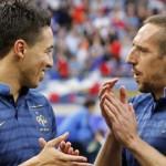 Les maillots de l'Euro 2012 seraient dangereux pour la santé dans Finance internationale Banques 1711483_3_7a96_samir-nasri-et-franck-ribery-a-la-fin-du-match_80c1652d940adce6c30229fc4896c06c-150x150